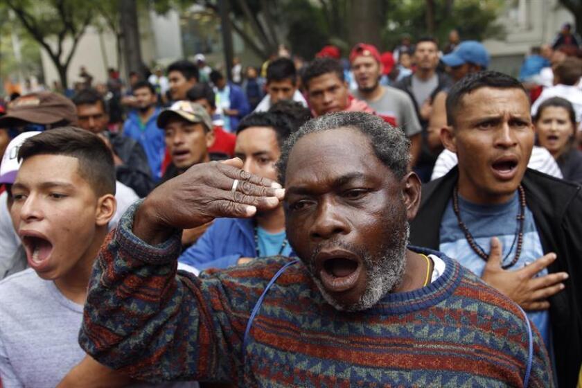 El Gobierno de México rechazó hoy haber aceptado o firmado documentos relacionados con la propuesta de Estados Unidos de destinarle recursos para repatriar a migrantes de terceros países. EFE/ARCHIVO