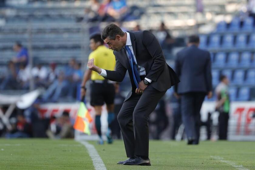 El técnico de Cruz Azul, Pedro Caixinha. EFE