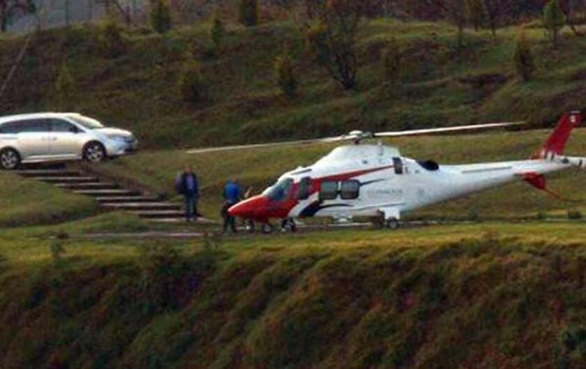 El escándalo inició cuando en redes sociales y en algunos medios mexicanos se reprodujeron fotografías en las que observa cómo algunas personas bajan de una camioneta y se dirigen a un helicóptero de la Conagua, como se conoce a la comisión.