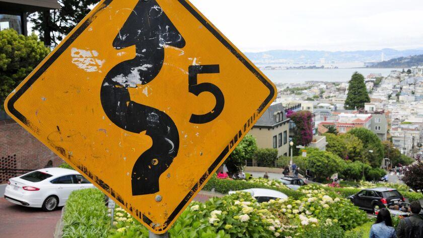 10 U.S. road signs to see before you die