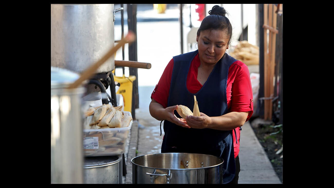la-mole-and-tamales-for-feast-of-our-lady-guad-018