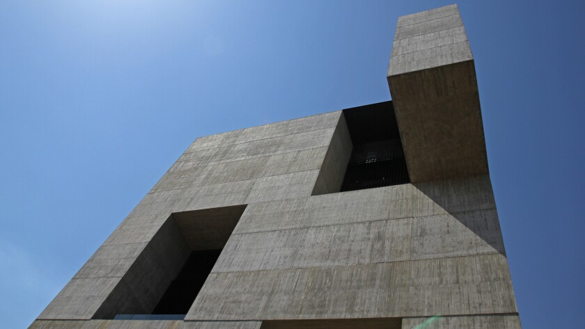 Chilean architect Alejandro Aravena is known internationally for his role as Pritzker Prize juror and also for his work in the area of social housing. But he has also constructed many buildings around Chile -- including the bold new Innovation Center at the Catholic University.