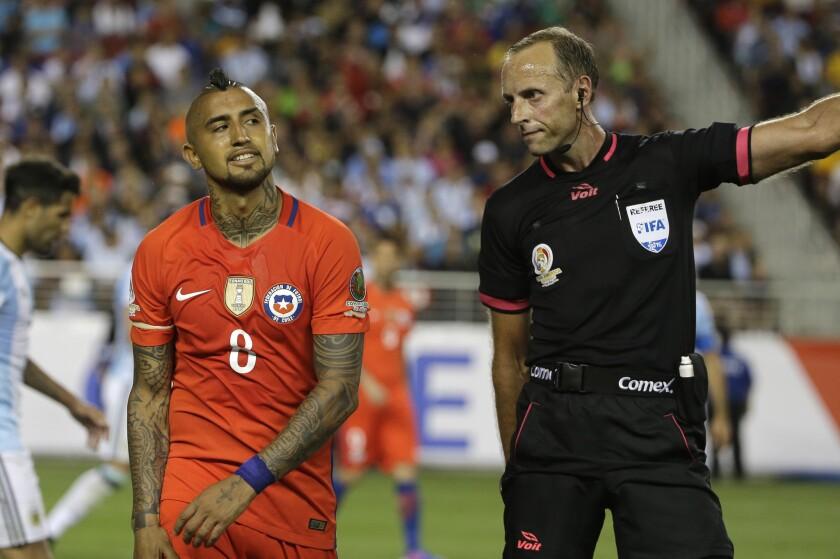Chile pierde ante Argentina 2-1.