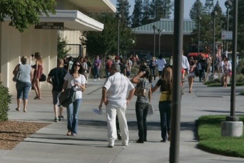 Students find their way during the first day of school at Grossmont College last week