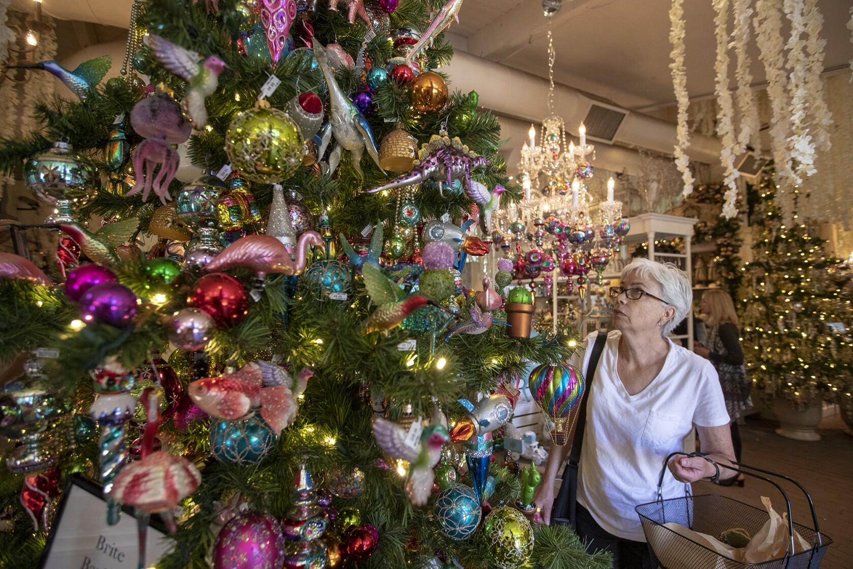 Roger S Gardens Unveils Enchanted Christmas Boutique Los