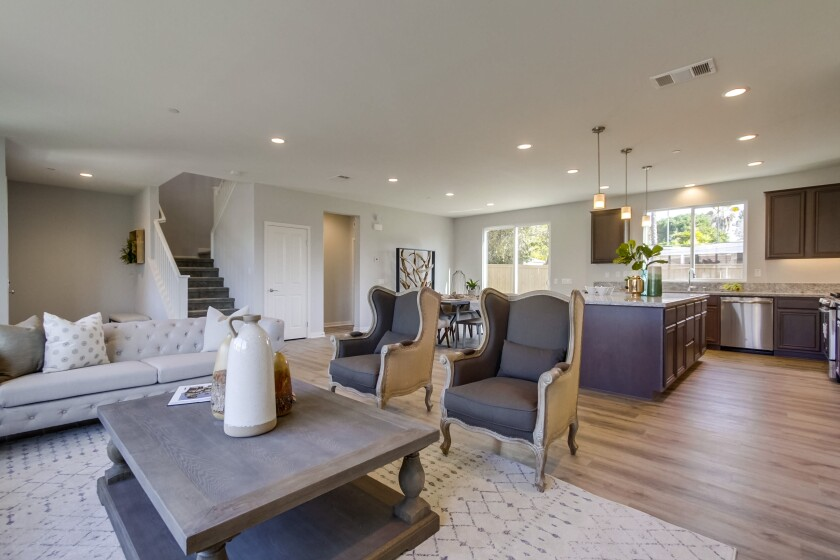 Homes at the Borden Glen neighborhood offer up to 2,744 square feet, three and four bedrooms with large master suites, and oversize, family-friendly great rooms. Just eight homes remain available.