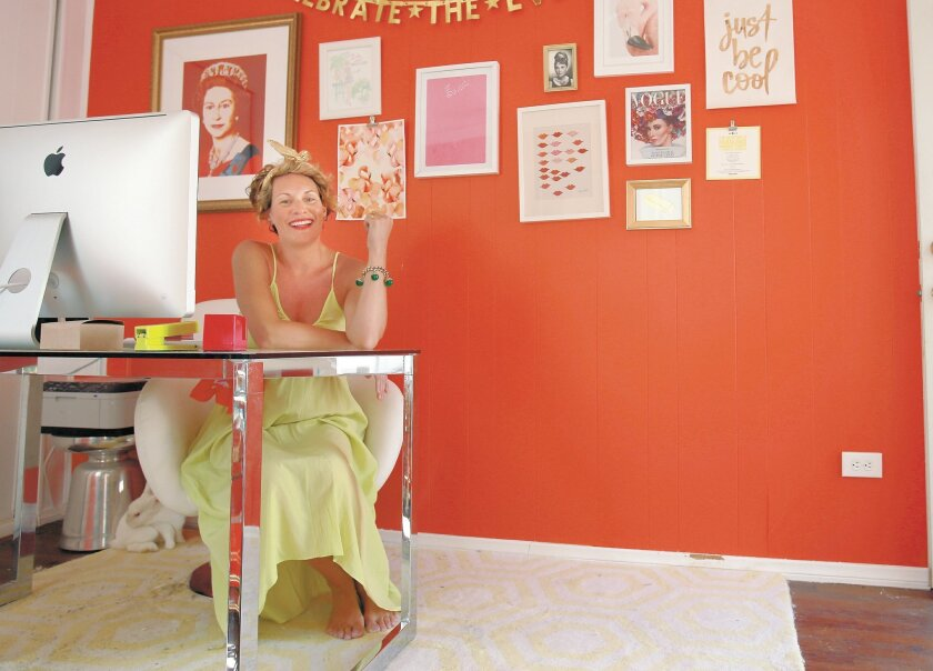 Kelley Lilien, aka Mrs. Lilien, has a sassy approach to décor; her home is filled with vivid colors, retro pottery and vintage fabrics.