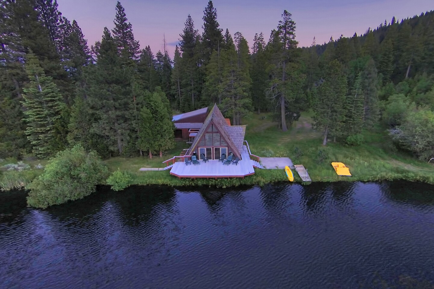 Home of the Day: A woodsy retreat with two lakes in Fort Bidwell