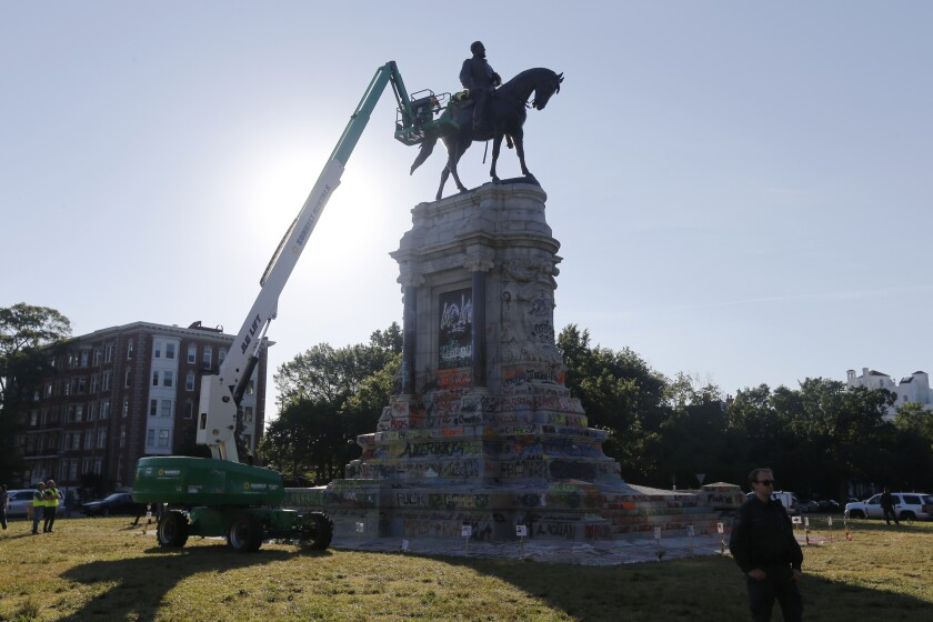 Statue of Robert E. Lee in Richmond, Va.