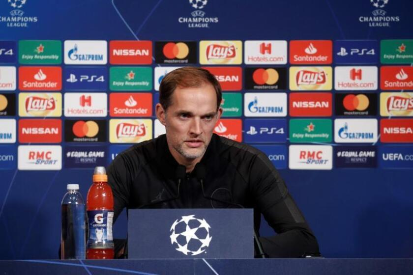El entrenador del París Saint Germain (PSG), el alemán Thomas Tuchel, ofrece una rueda de prensa en el estadio Parque de los Príncipes en París, Francia. EFE