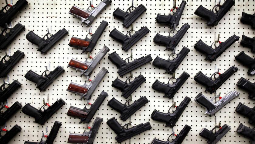 Las armas son empleadas con mayor frecuencia en homicidios, suicidios o lesiones involuntarias de niños.