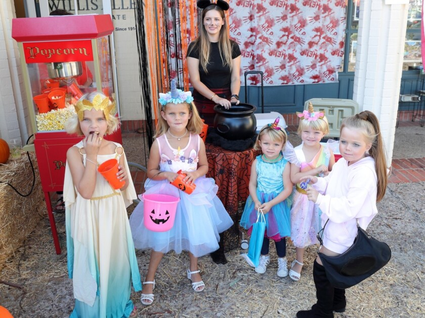 Trick or treaters at Willis Allen in 2019.