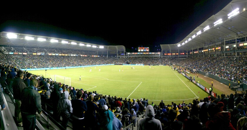 El estadio StubHub Center está ubicado en Carson, California. Capacidad: 27 mil lugares.