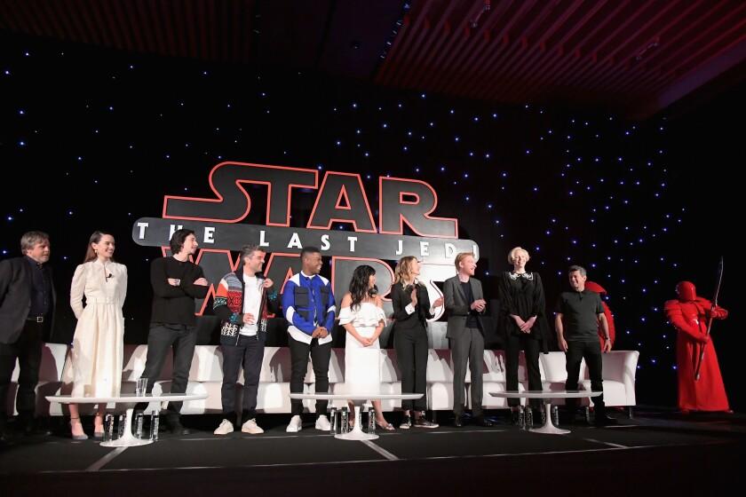 "Conferencia en Los Ángeles con los protagonistas de Star Wars: ""The Last Jedi': Mark Hamill, Daisy Ridley, Adam Driver, Oscar Isaac, John Boyega, Kelly Marie Tran, Laura Dern, Domhnall Gleeson, Gwendoline Christie, Andy Serkis y un Praetorian Guard."