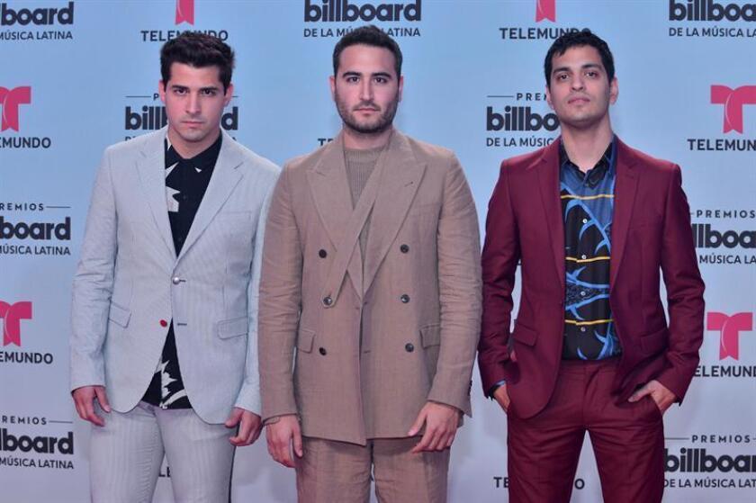 Fotografía de archivo del 27 de abril de 2017, de los integrantes del grupo mexicano Reik durante los Premios Bilboard Latino 2017, en el Watsco Center de la Universidad de Miami, Florida (EE.UU). EFE