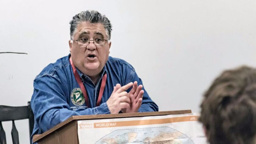 State Sen. Anthony Portantino (D-La Cañada Flintridge) speaks to La Cañada High students during the