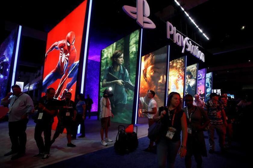 Público visita el espacio de Playstation durante la Electronic Entertainment Expo (E3) en el Centro de Convenciones de Los Ángeles, California, EEUU. EFE