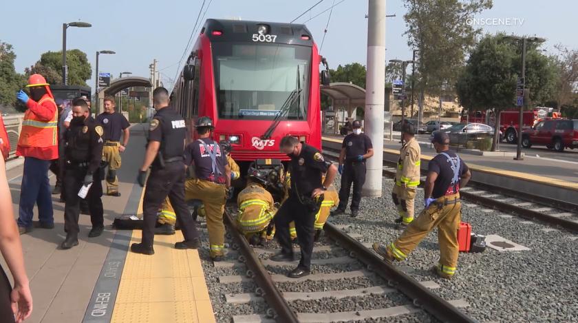 Un hombre fue atropellado por el trolley en Chula Vista el martes por la mañana.