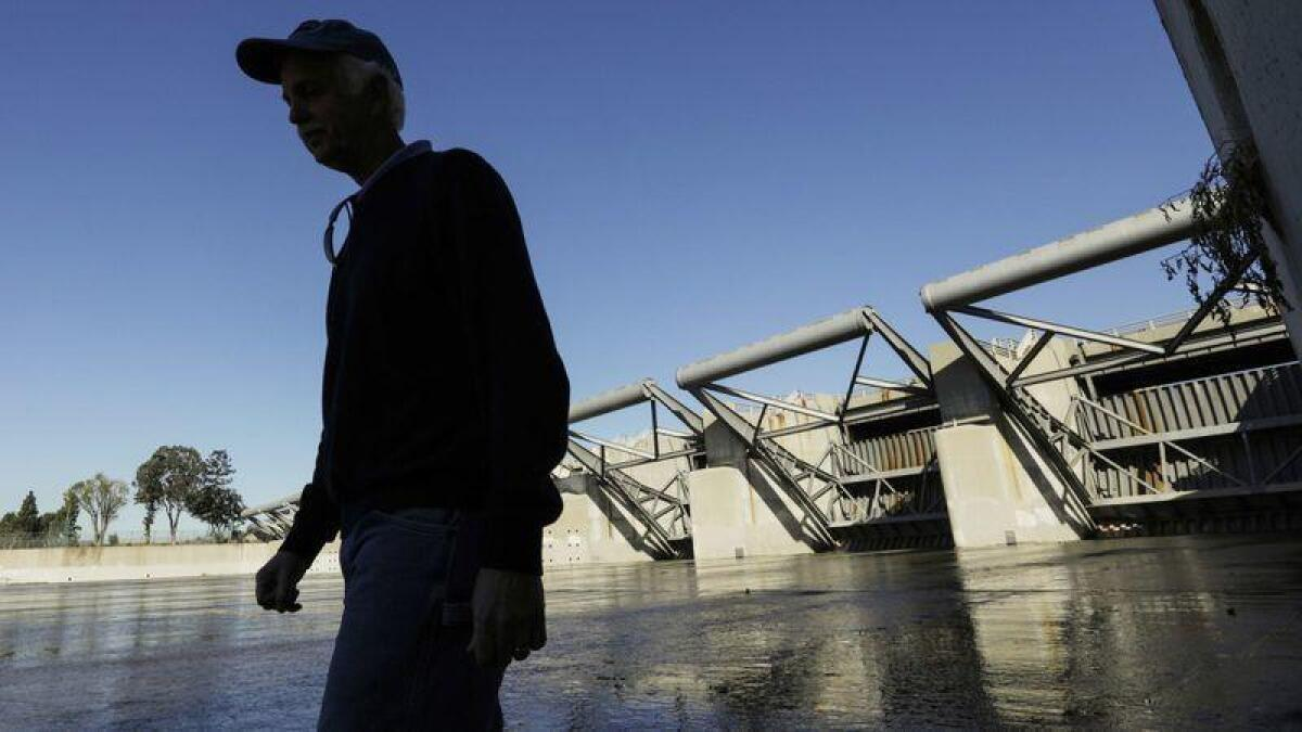 Rare L A  mega-storm could overwhelm dam and flood dozens of