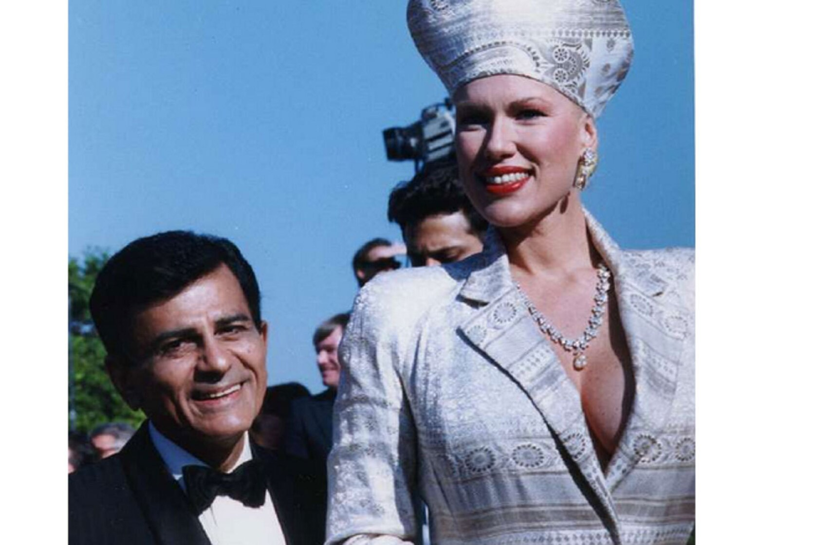 Casey Kasem judge reverses ruling: Host's feeding, hydration