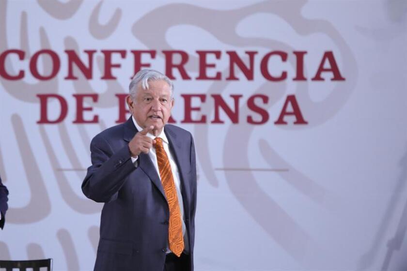 El presidente de México, Andrés Manuel López Obrador, habla durante una rueda de prensa en el Palacio Nacional de Ciudad de México (México). EFE/Archivo