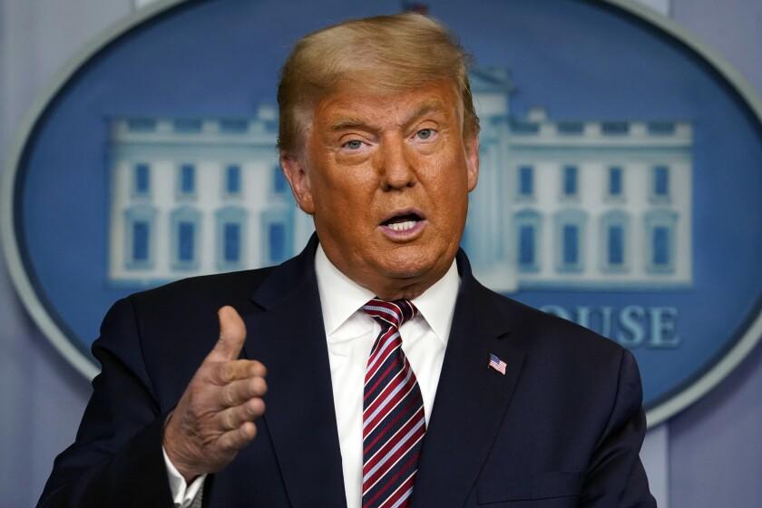 ARCHIVO - el presidente Donald Trump hace declaraciones en la Casa Blanca