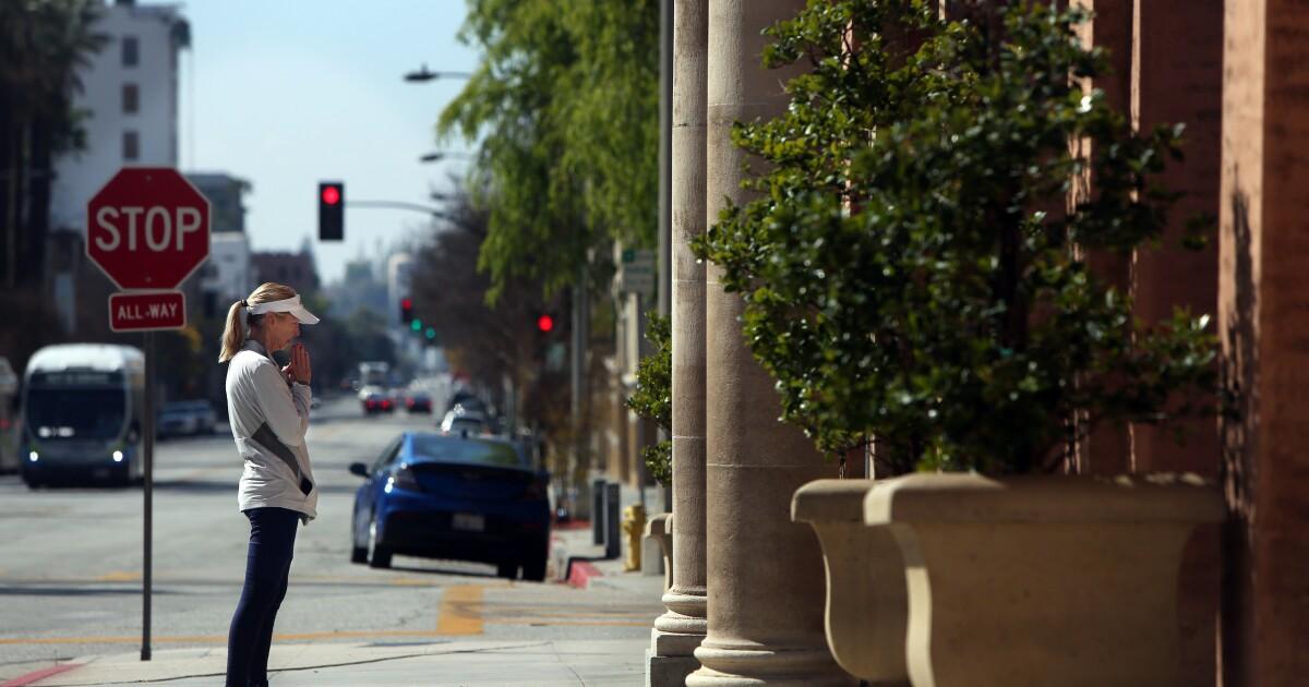 Trotzt höheren Autorität, Pasadena Kirche furloughs Arbeiter inmitten der Corona-Virus-Ausbruch