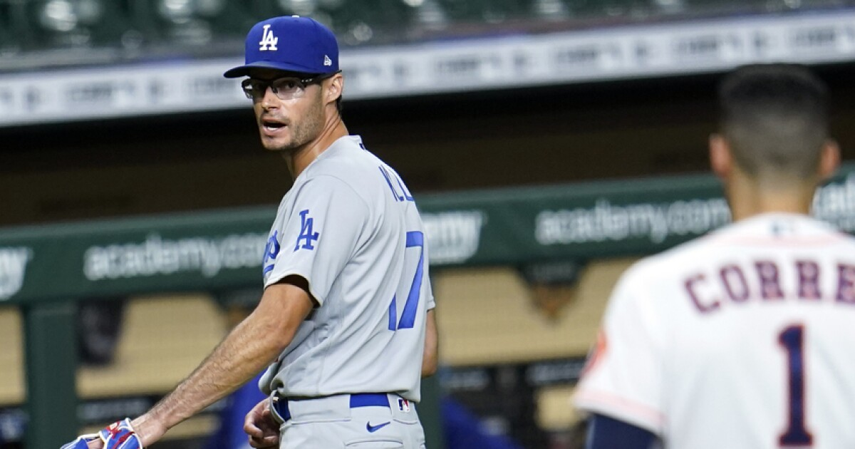 Dodgers Joe Kelly And Dave Roberts Suspended By Mlb After Astros Incidents Los Angeles Times Joe kelly was born on september 24, 1972 in fairlawn, new jersey, usa. dodgers joe kelly and dave roberts