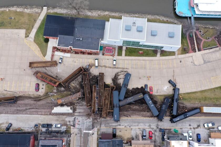 APTOPIX Train Derailment Iowa