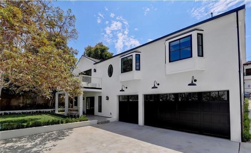 Deirdre Gurney's Manhattan Beach home | Hot Property