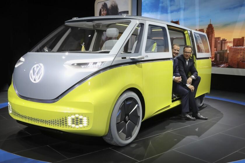 Volkswagen está mostrando el concepto I.D. que promete 270 millas de alcance eléctrico y capacidad para ocho.