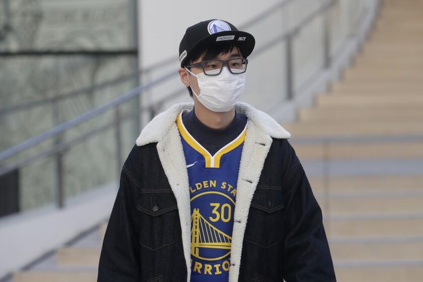 NBA, MLB, MLS y NHL cierran vestuarios por coronavirus - Los Angeles Times