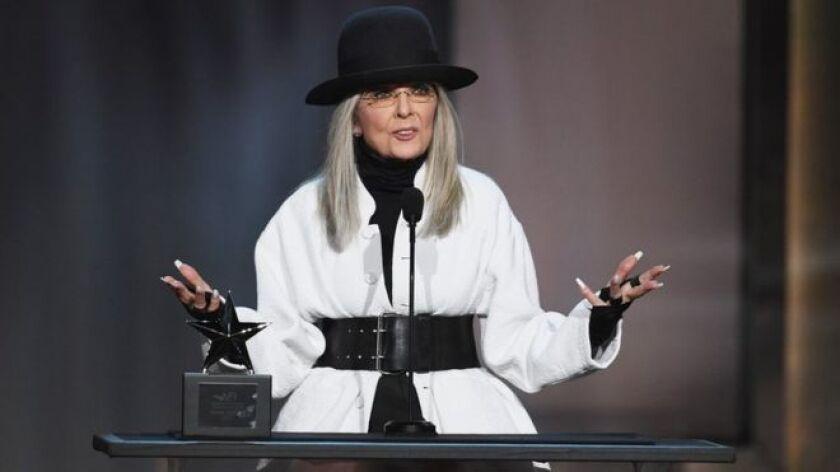 """La actriz Diane Keaton mostró públicamente su apoyo hacia el director Woody Allen, diciendo que continúa """"creyendo en él""""."""