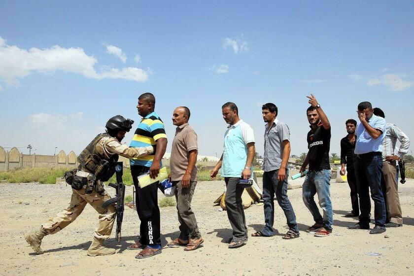 Recruiting volunteer fighters in Iraq