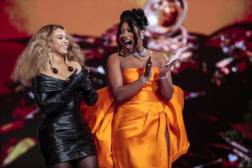 Beyoncé y Megan Thee Stallion en la 63 edición de los premios Grammy.