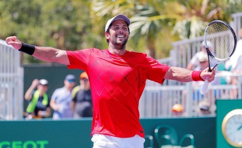 El español Fernando Verdasco celebra tras derrotar en un partido de octavos de final al australiano Thanasi Kokkinakis, durante el Abierto de Tenis de Miami, en Key Biscayne, Miami, Florida (EE.UU.). EFE
