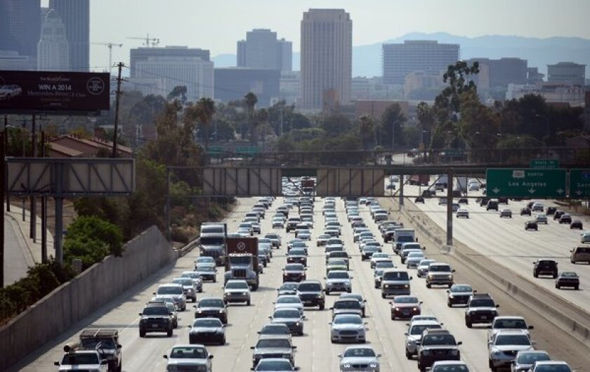 One-fifth of U.S. lives near roads with higher air pollution, study says