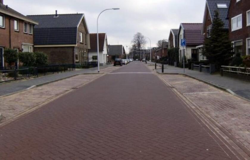 On Castorweg Street in Hengelo, Netherlands, researchers have installed paving blocks treated with smog-eating titanium oxide.