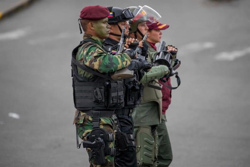 Militares venezolanos participan en un acto en el centro de Caracas (Venezuela). EFE/Archivo