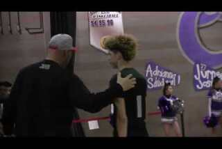 LaMelo Ball puts on a show