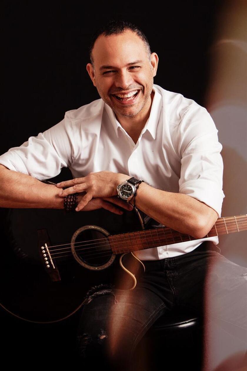El productor musical venezolano Simón Jano publica primer disco como solista
