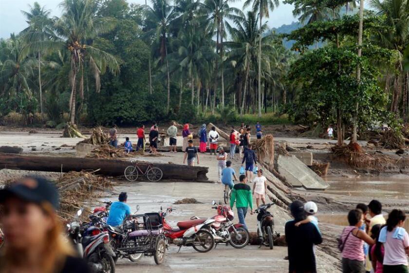 El Gobierno de México lamentó hoy la muerte de al menos 130 personas y se solidarizó con Filipinas tras el paso de la tormenta tropical Tembin, que ha causado riadas, corrimientos de tierra e inundaciones en la isla de Mindanao. EFE/EPA