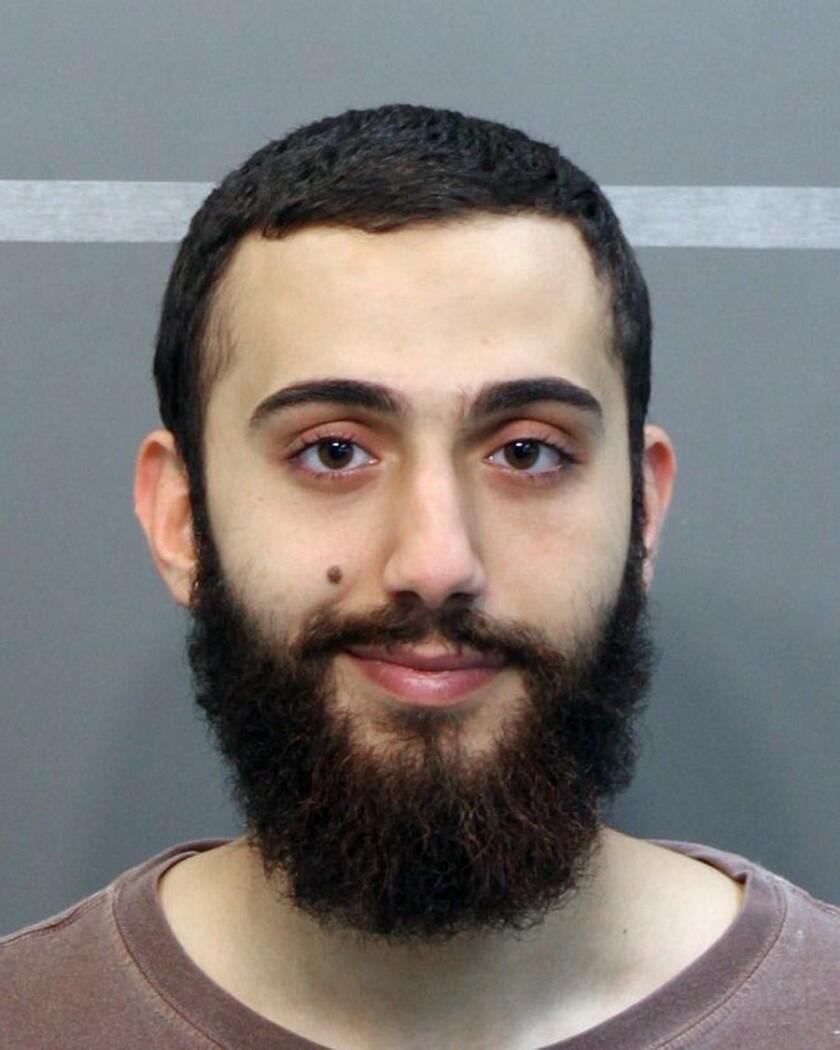 Fotografía de abril de 2015 difundida por la policía del condado de Hamilton de un hombre identificado como Mohammad Youssduf Adbulazeer después de ser detenido por una infracción de tránsito. (Policía del condado de Hamilton vía AP)