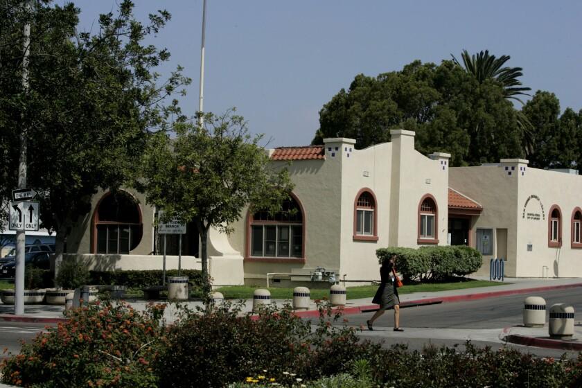 Biblioteca  San Ysidro