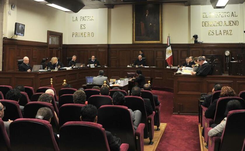 Los ministros de la Suprema Corte de Justicia de la Nación sesionan el jueves 29 de septiembre de 2011, en Ciudad de México. EFE/Archivo