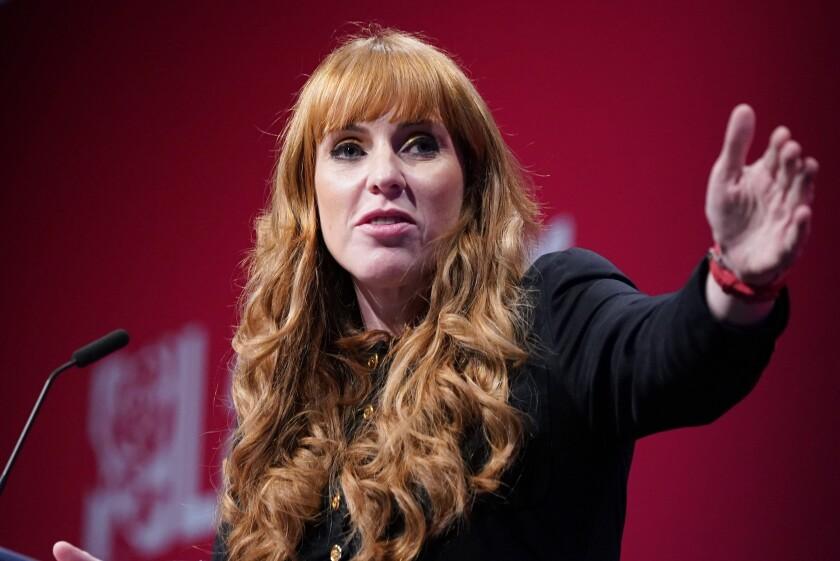 La política laborista británica Angela Rayner en Brighton, Inglaterra.