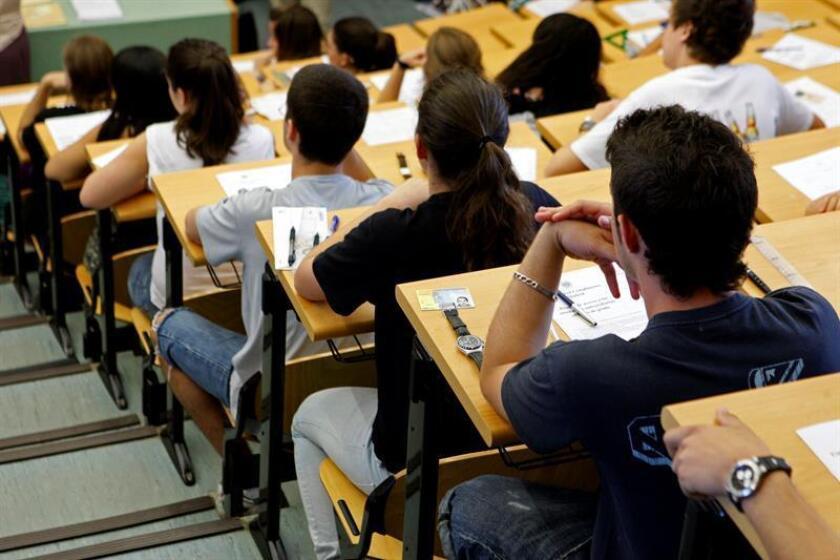 Los países latinoamericanos tienen dificultades para desarrollar y retener el talento, además de compartir la problemática general de la fuga de cerebros y niveles relativamente bajos de inversiones en educación. EFE/Archivo
