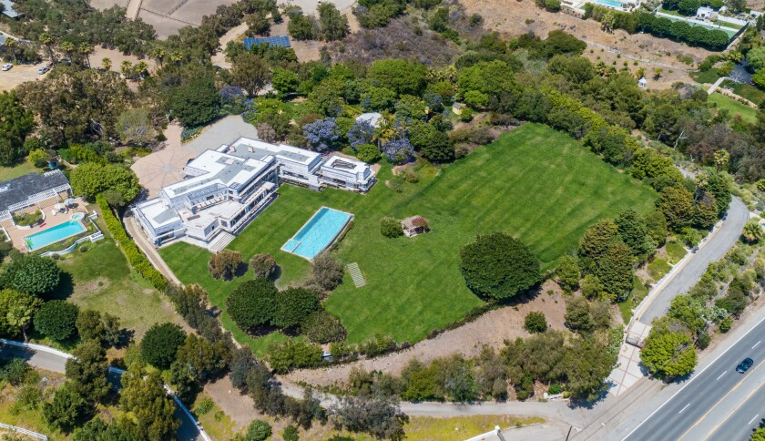 Kevin Garnett's Malibu compound | Hot Property