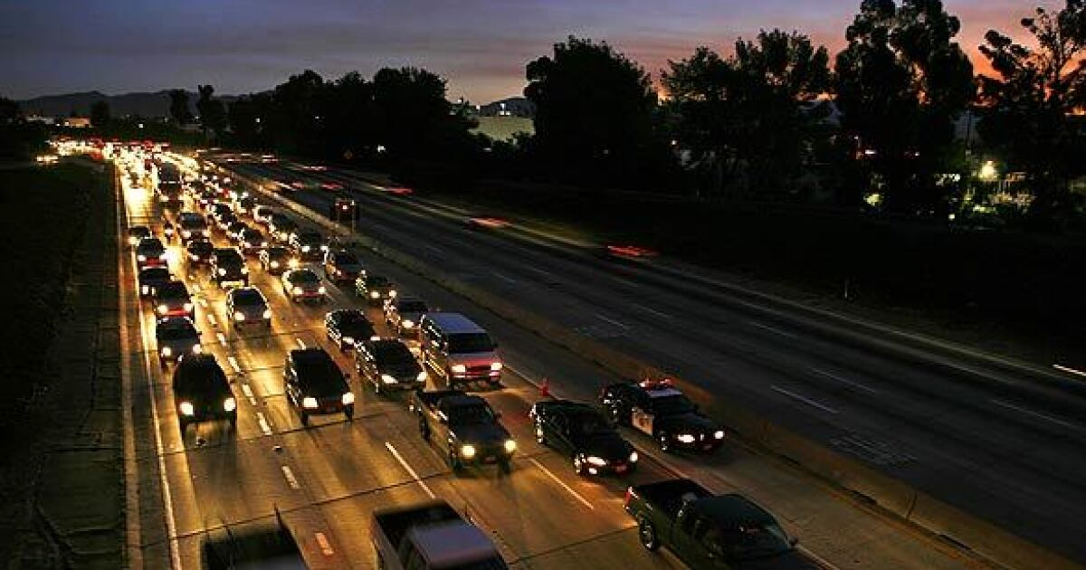 Los Angeles County will study toll lanes on the 405 Freeway