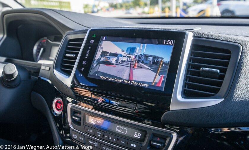 Honda Pilot with Lane Watch